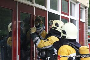 Foto Brandgerucht bij basisschool De Dolfijn in Haarlem