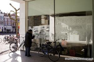 Foto Winkelpand Brinkmanpassage op Haarlemse Grote Markt gekraakt