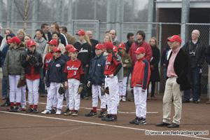 Foto Nieuwe jeugdveld Kinheim Pim Mulier sportpark officieel in gebruik genomen