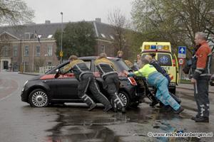 Foto Hulpdiensten slaan handen ineen na verkeersongeval Hooimarkt