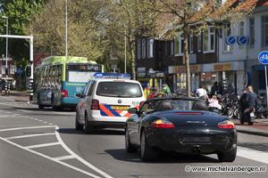 Foto Politieagente mag Porsche naar huis rijden na ongeval Rijksstraatweg