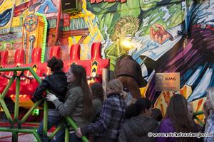 Foto Kermis attractie X Factory op de Zaanenlaan in Haarlem wil niet meer open