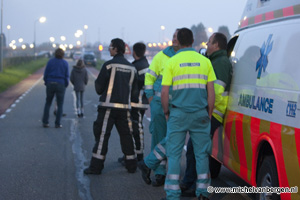 Foto Man neergeschoten door AT na woninginval Hillegommerdijk in Lisserbroek