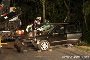 Foto Ernstig ongeval op Heuvelweg nabij Snowplanet in Velsen Zuid