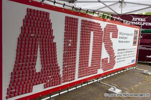 Foto Condoommuur op Haarlems bevrijdingsfestivals