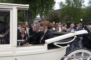Foto Verkeersopstopping Orionweg door examenfeest Schoter Scholen Gemeenschap
