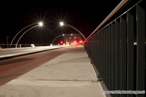 Foto De sierlijke lampjes van de nieuwe Schoterbrug