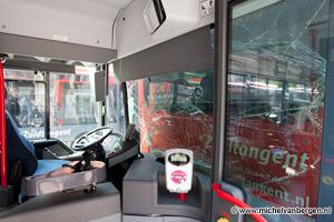 Foto Flinke schade bij aanrijding tussen twee Zuidtangent bussen