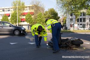 Foto Motorrijder zwaar gewond bij ongeval op Amsterdamsevaart in Haarlem