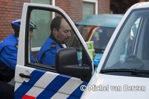 Foto Politie neemt boter, kaars en eieren in beslag tijdens luilaknacht