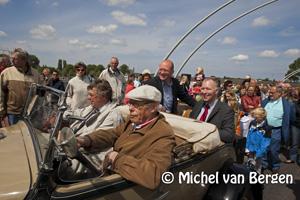 Foto Nieuwe Schoterbrug in Haarlem nu officieel in gebruik genomen