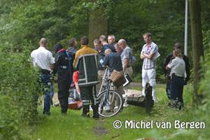 Foto Levenloos lichaam gevonden in Reinaldapark Haarlem Oost
