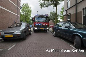 Foto Binnenbrand Scheepersstraat, brandweer heeft moeite door fout geparkeerde auto's