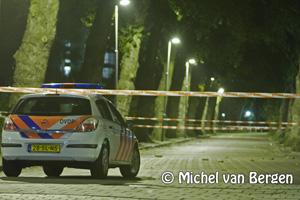 Foto Massale vechtpartij op de Planetenlaan / Sportweg in Haarlem noord