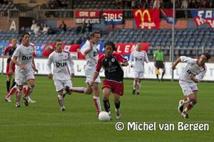 Foto HFC Haarlem doet thuis goede zaken tegen FC Emmen (4-0)