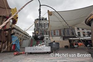 Foto Jopenfestival op de grote markt in Haarlem trekt veel publiek