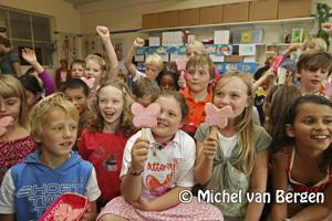 Foto Liselot van de Sint Bavo school in Haarlem wint Ola prijsvraag