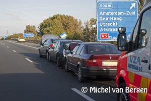 Foto Kettingbotsing op A200 nabij de Zoete inval zorgt voor lange files