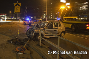Foto Bestuurster auto gewond na ongeval Houtveldweg Zaandam