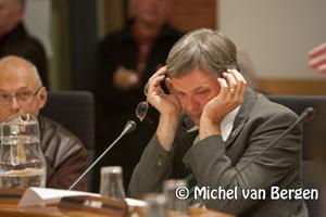 Foto Spoeddebat gemeente Haarlem over HFC Haarlem om in slaap bij te vallen - Jur Visser
