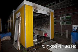 Foto Bouwkeet afgebrand na vermoedelijke brandstichting Brusselstraat Haarlem