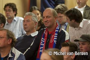 Foto Gemeenteraad :stadion Jan Gijzenkade opknappen, als HFC Haarlem financiën op orde brengt