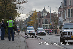 Foto Fietser zwaargewond na aanrijding op de Wagenweg in Haarlem