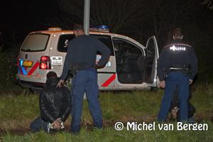 Foto Drie mannen gearresteerd na wilde klopjacht in Halfweg