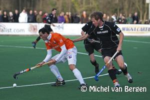 Foto Bloemendaal in slot seconden langs Oranje Zwart (3-2)