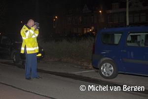 Foto Automobilist richt ravage aan op Raamsingel in Haarlem
