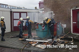 Foto Brand in grofvuil container Dullaertstraat Haarlem