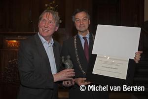 Foto Laurens van Krevelen ontvangt Laurens Janszoon Costerprijs 2009