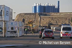 Foto Bom ontploft aan de Kotterkade in IJmuiden