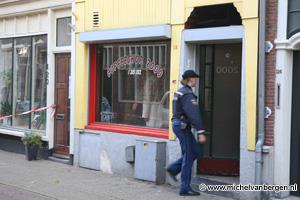 Foto's politie-inval coffeeshop 2000