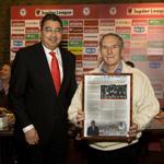 eerste HFC Haarlem krant gepresenteerd