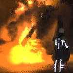 Vrachtwagen volledig verwoest na brand in Parkwijk