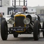 Klassieke auto's nemen bezit van Circuit Park Zandvoort