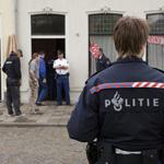 Krakers uit pand Ripperdastraat Haarlem gezet