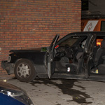 Dronken automobilist boort zich met auto in flat Velsen-Noord