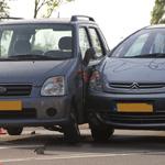 Ongeval met twee auto's op Rijksstraatweg in Haarlem