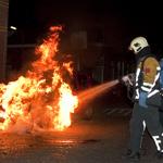Italiaan ziet zijn auto in vlammen opgaan