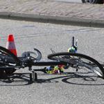 Fietser ernstig gewond na aanrijding met auto Lange Herenvest