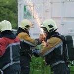 Opslag zeecontainer vat vlam in de Bazellaan in Haarlem