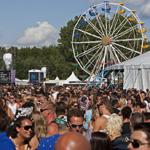 Publiek geniet van 5e Pleasure Island in Spaarnwoude
