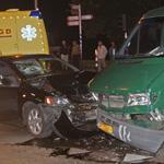 Vier gewonden bij verkeersongeval Vondelweg / Jan Gijzenkade in