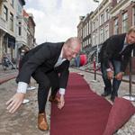 Rode Loper uitgerold in de Kruisstraat