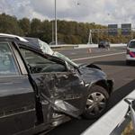 Vertraging A9 door ongeval personenauto met vrachtwagen