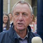Opening Cruyff Court aangepast in Haarlem door Johan Cruyff