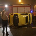 Auto op zijn kant bij ongeval Belgiëlaan, bestuurster komt met s
