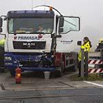Botsing tussen trein en gasvrachtwagen bij Lisse